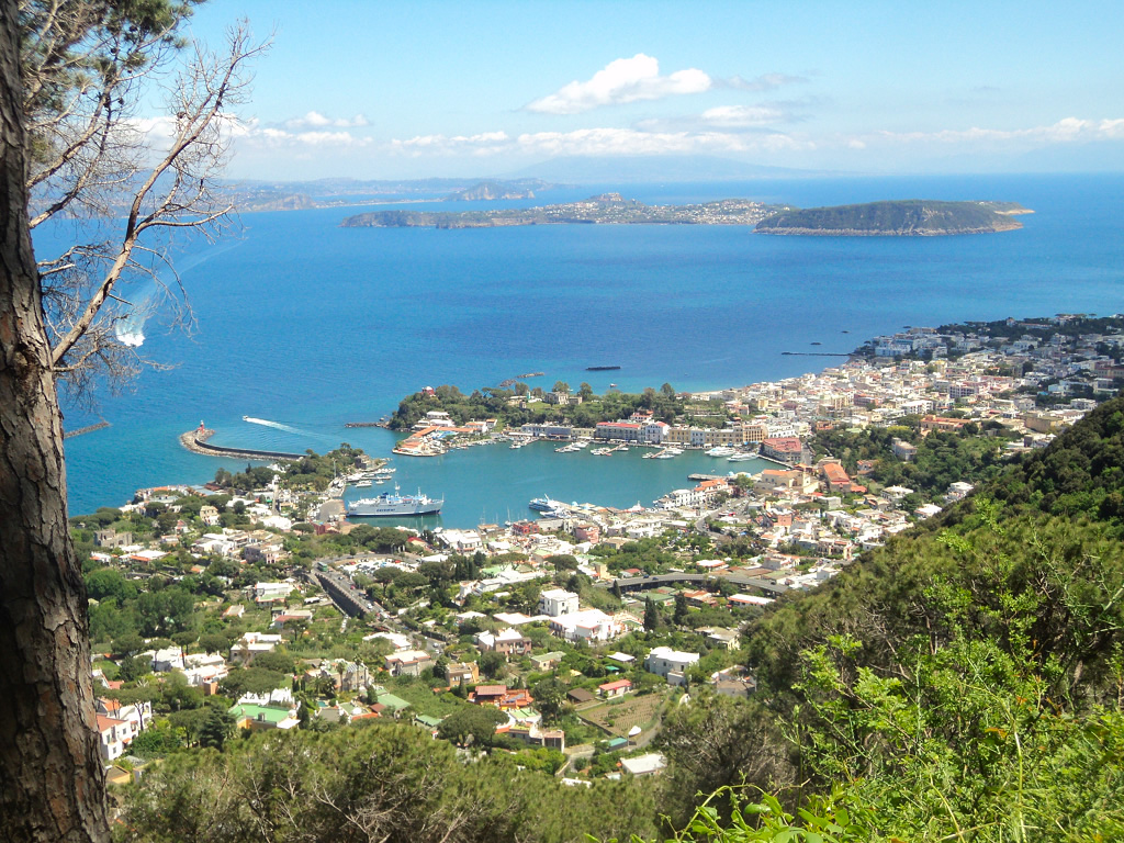 veduta-porto-ischia