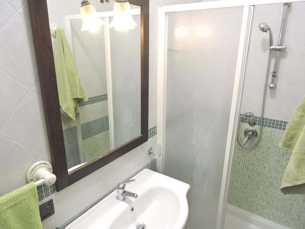 08 Bagno con doccia