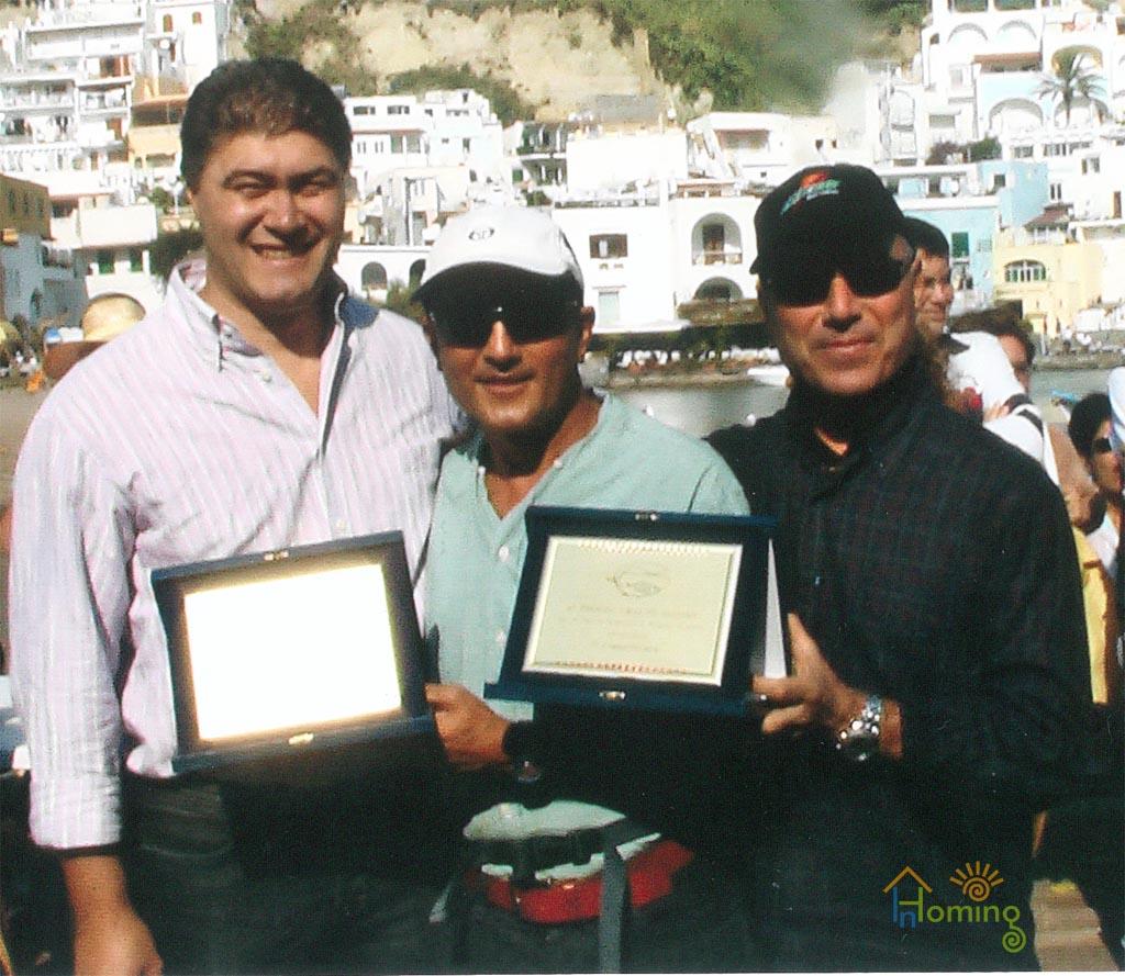 Saluti da Gianni Lello e Pietro da Ischia