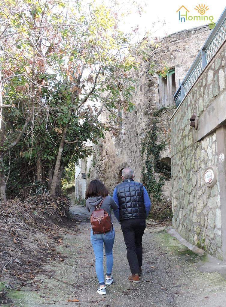 02 Via Sciappone e il costruito in pietra locale
