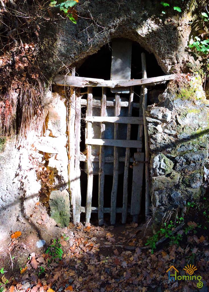 17 Cellaio cantina scavata nel terrapieno