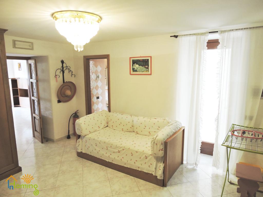 08 camera comune con divano letto